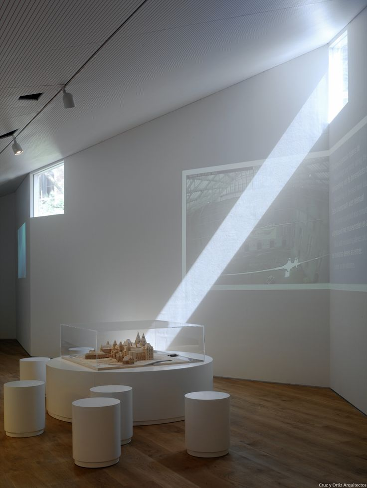 Info-Center-Rijksmuseum-Amsterdam_Design-interior-iluminacion-expo_Cruz-y-Ortiz-Arquitectos_LKR_03-X