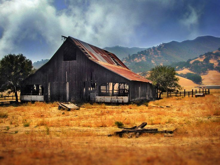 25 best images about old barns and barn wood on pinterest for Ranch and rural living