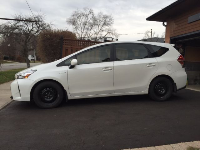 2015 Toyota Prius v ~ Best Offer Needed | used cars & trucks | Oshawa / Durham Region | Kijiji