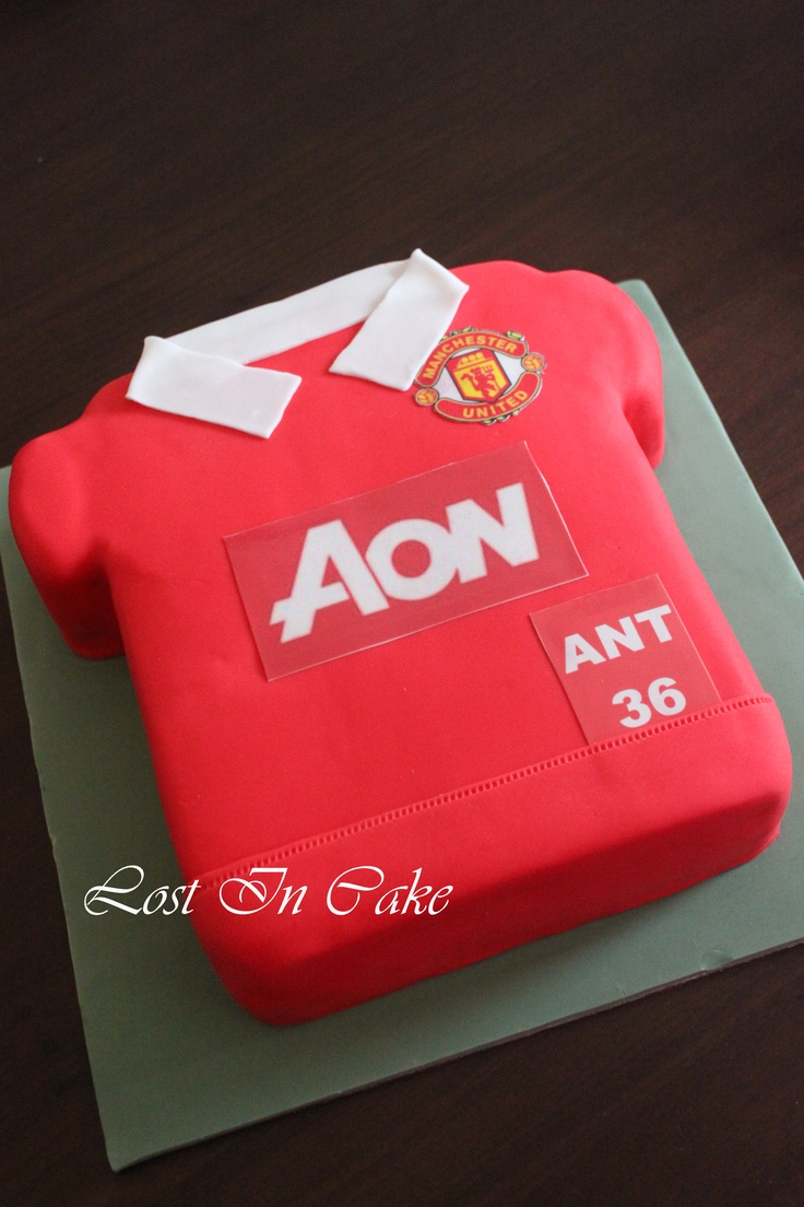 Brief: Manchester United Football Top Cake