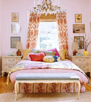 Mashup of colors and patterns: Cottage style is all about the mix