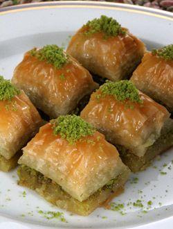 Baklava - Karaköy Güllüoğlu - Turkish Baklava - Turkish Dessert