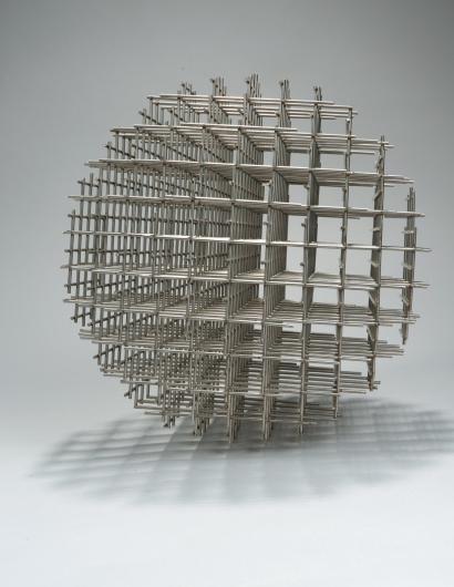 François MORELLET (né en 1926) Sphère-Trame, 1962 Assemblage d'acier, sculpture d