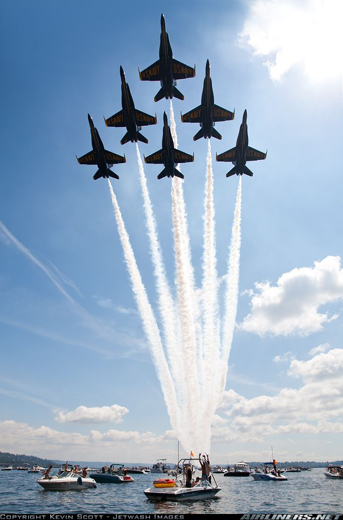 The Blue Angels doin' what they do.