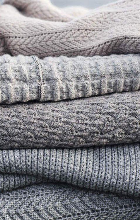Découvrez quels sont les différents types de laines pour faire du tricot ou pour choisir une écharpe, les différentes sortes de laines.: