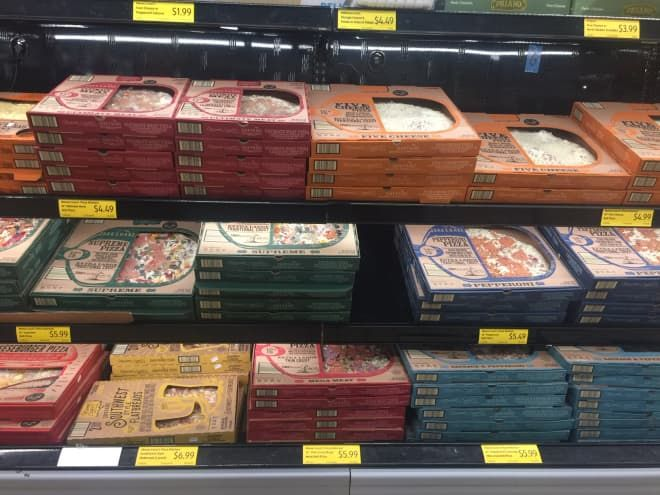 3 Things You Didn T Know About Aldi S Super Popular Mama Cozzi S Pizza In 2020 Aldi Pizza Bake Pizza Review