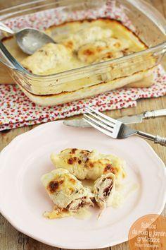 Los rollitos de pollo y jamón serrano gratinados son una receta fácil, perfecta para la cena de toda la familia. Descubre esta receta de pollo, te encantará.