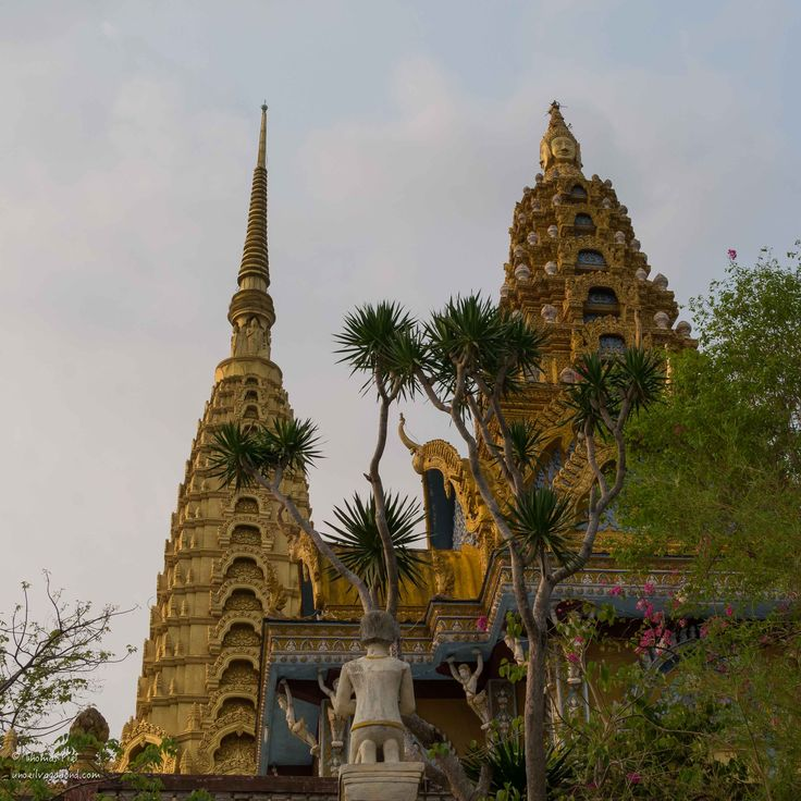 Le journée de bateau de Siem Reap à Battambang restera un des moments fort de ce voyage. 9 heures de navigation : d'abord une petite traversé du lac Tonlé sap puis la remontée de la rivière j…