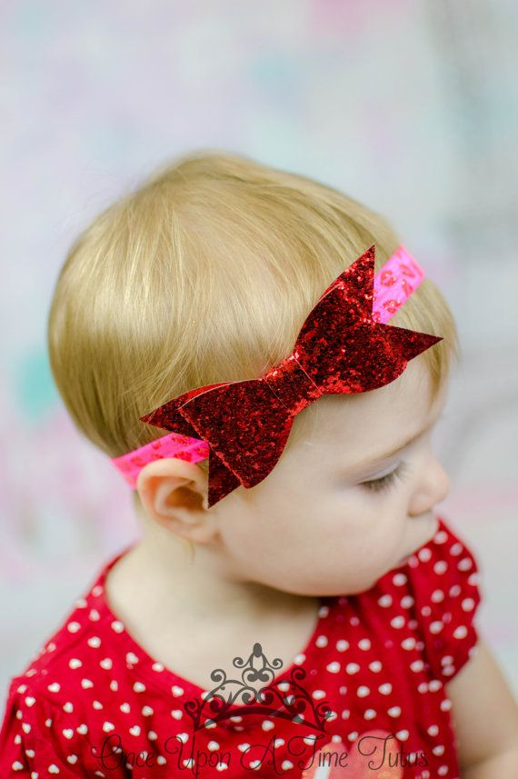 A red glitter bow, on a pink and red glitter lip print elastic headband. Very pretty for Valentines Day photos and matching outfits!  ** Perfect newborn, infant, or toddler photo prop **  Check out my shop for other great headbands and accessories! Great for photo props, gifts, special occasions, etc. Headband sizing:  Preemie - 13 0-3 Months - 14 3-6 Months - 15 6-9 Months - 15.5 9-12 Months - 16 12-18 Months - 16.5 Toddler - Adolescent - 17 Adult Size - 18 Hair Clip