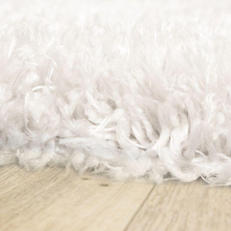 les 25 meilleures id es de la cat gorie tapis de fourrure sur pinterest tapis fourrure blanc. Black Bedroom Furniture Sets. Home Design Ideas