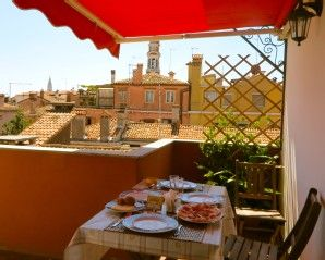 Location appartement Cannaregio Venise pour 4 personnesLocation de vacances à partir de Cannaregio @homeaway! #vacation #rental #travel #homeaway