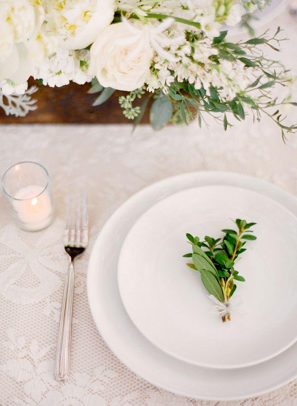 Styling & Floral: Joy Thigpen