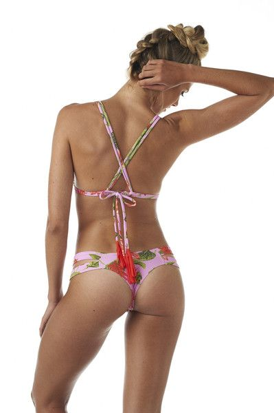 You can tie this top so many ways, even creating your own unique look each time you wear this floral bikini out to the beach. #multiway