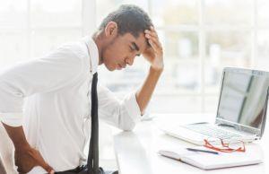 Ursache von Kopfschmerzen Pulsierende  stechende  im Hinterkopf