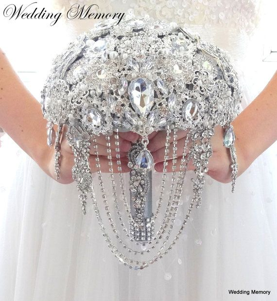 """Ready full price 7"""" JEWELED Brooch BOUQUET Wedding Brooch  Bling bouquet Crystal Brooch Bouquet Gatsby brooch silver pearl bouqet broach sur Etsy, 235,98€"""