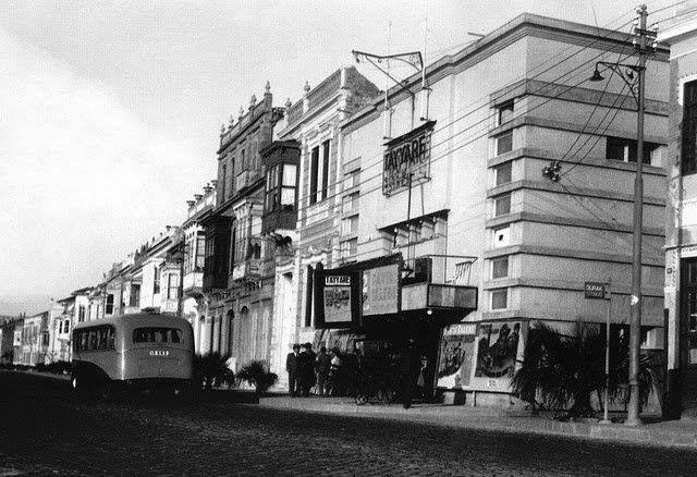 Kordonboyu Tayyare Sineması, 1943 yılı.