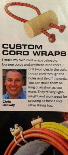 rangement des câbles et rallonge électrique - Make custom cord wraps out of old bungee cords.