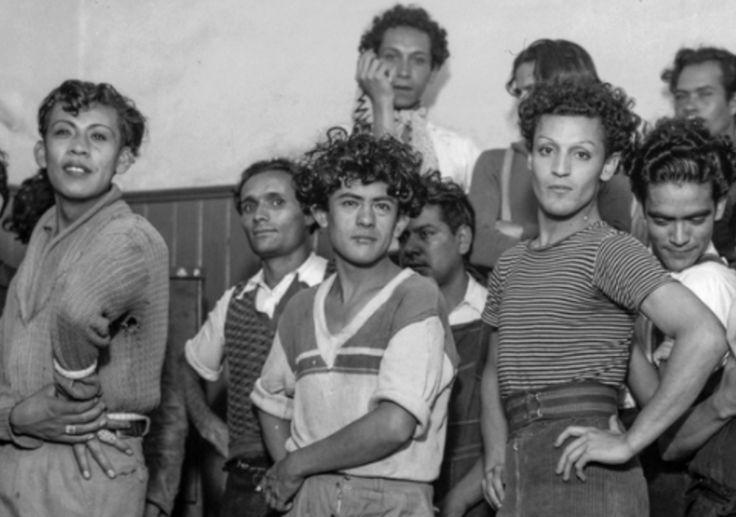 """Así nacieron los jotos y los maricones en México, donde la homofobia es una cruda realidad en un país intolerante con todo lo que considera """"diferente""""..."""