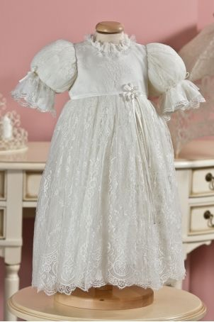 Heirloom christening dress for baby girls, made out of soft lace silk, form Petite Coco.  http://www.petitecoco.ro/shop/en/tres-chic/34-belle-christening-dress.html
