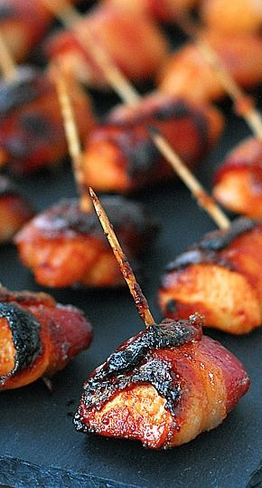 Sweet and Spicy Sriracha Chicken Wrapped in Bacon