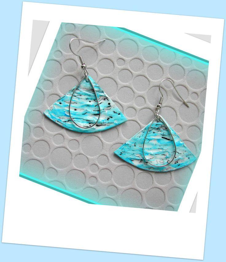 alittlemarketJolies boucles d'oreilles bleu turquoise et blanche, métal argenté boutiqueboucles d oreilles h angiari
