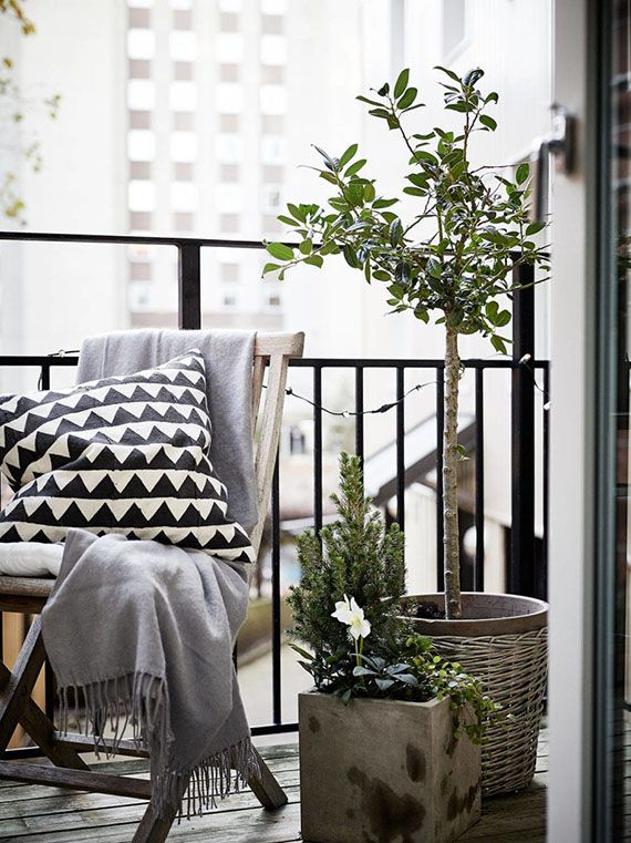 Small cozy balcony. Styling by Greydeco, photo by Jonas Berg via Stadshem