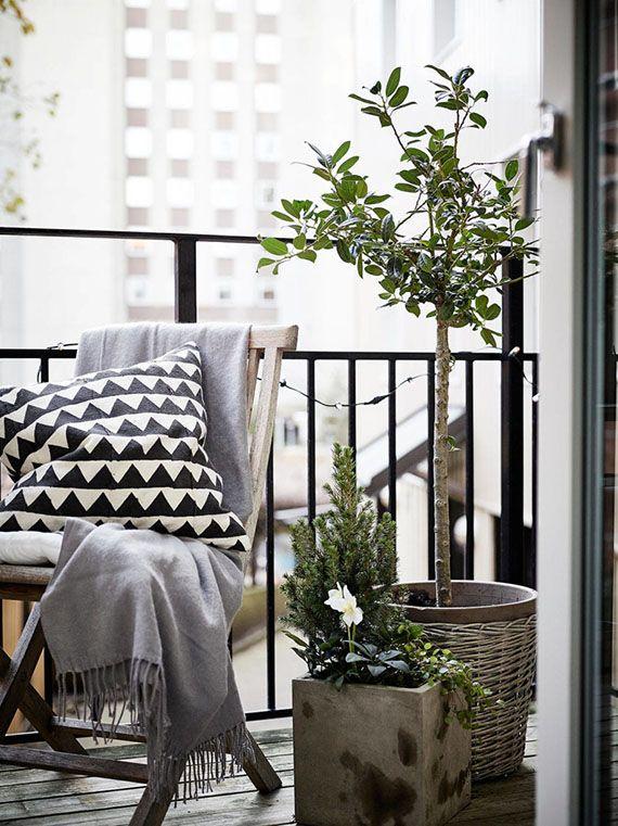 Small cozy balcony. Styling by Greydeco, photo by Jonas Berg via Stadshem