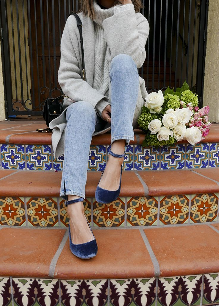 Aimee Song of the blog Song of Style shares her tips for going from the job site to date night in the same pair of light wash denim jeans.