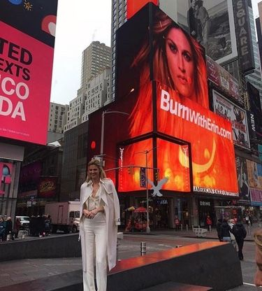 OTF ambassador Erin Andrews took to Times Square and Good Morning America, to talk about her love for Orangetheory! As a power walker herself, Erin says the best part about OTF is that it really is for all ages & fitness levels. She loves how it makes you want to compete against yourself.