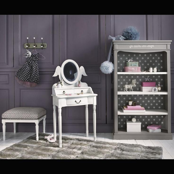 Inspiration Maisons du Monde : chambre de petite fille en camaieu de gris et poids blancs (série de meubles Ange).
