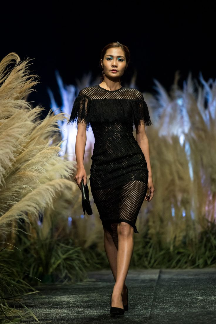 Vietnam Fashion Week FW17 - Ready To Wear.        Designer: Cao MInh Tien   Photo: Le Chi Linh
