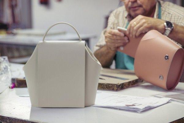 Spanish craftsmanschip behind of our limited edition handbags. La artesanía española detrás de nuestros bolsos de edición limitada. #onesixonebag