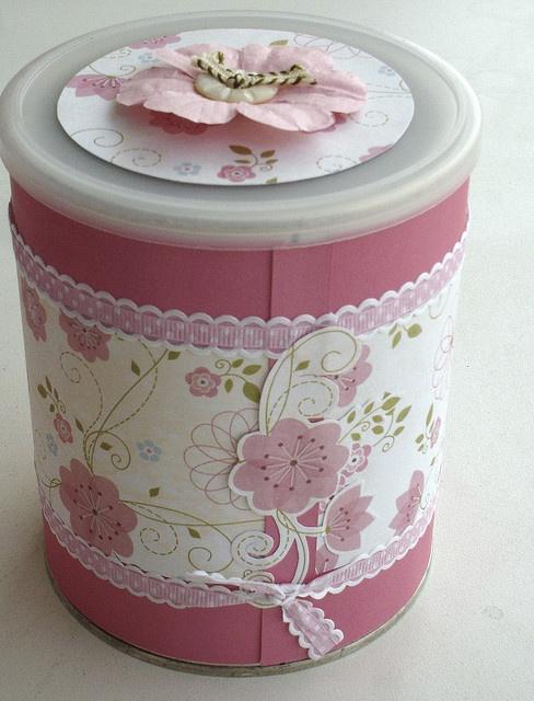 lata decorada flower