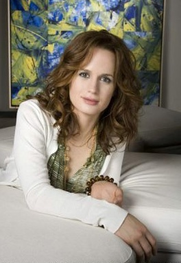 Elizabeth Reaser - as Phoebe Valerian (Marcus and Julia's mother). I know Twilight wasn't a stellar movie but HER personal acting was pretty good and she seems super maternal :-)