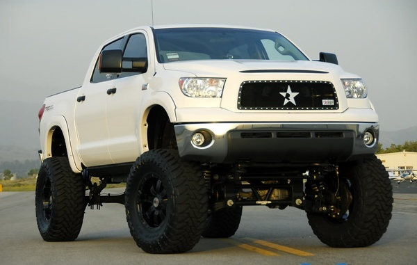 lifted Toyota Tundra