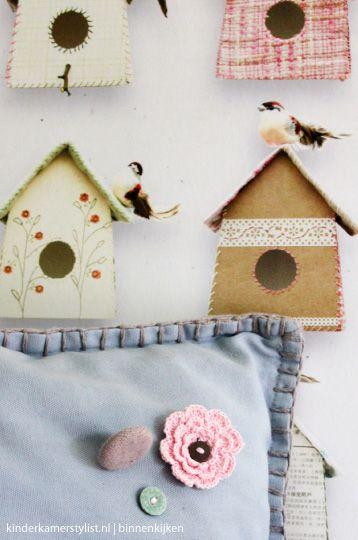 Vogelhuisjes behang #StudioDitte | Styling Huis & Grietje via Kinderkamerstylist.nl