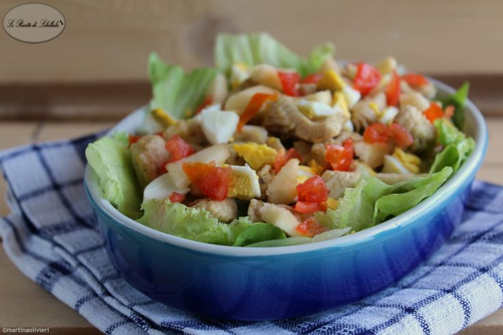 Una ricetta fresca e leggera, perfetta per l'estate: insalata di pollo e mela.