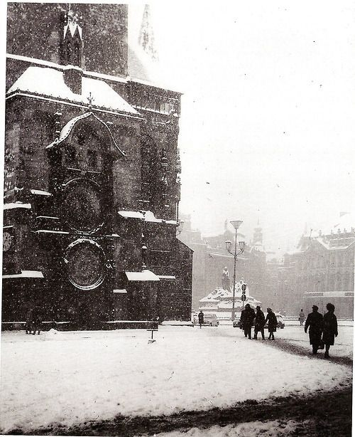 Winter Prague by František Schnöbling, Old Town Square 1949