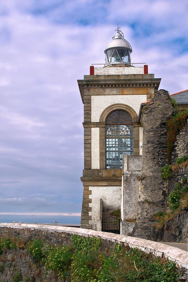 faro de Luarca Valdés Principado de Asturias España 43.549444, -6.532500   by Manuel Ángel Escudero Rodríguez, via 500px