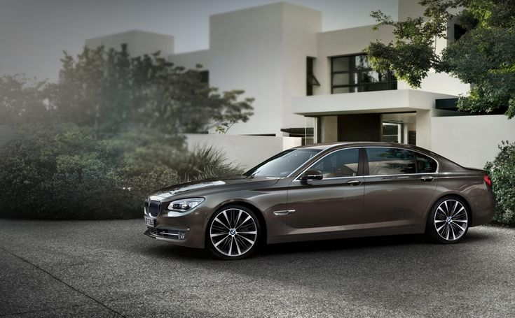 bmw 7 series  http://newsgaze.com/2015/08/03/bmw-is-introducing-diesel-with-four-turbos/bmw-7-series-2/  http://newsgaze.com/2015/08/03/bmw-is-introducing-diesel-with-four-turbos/bmw-7-series-2/
