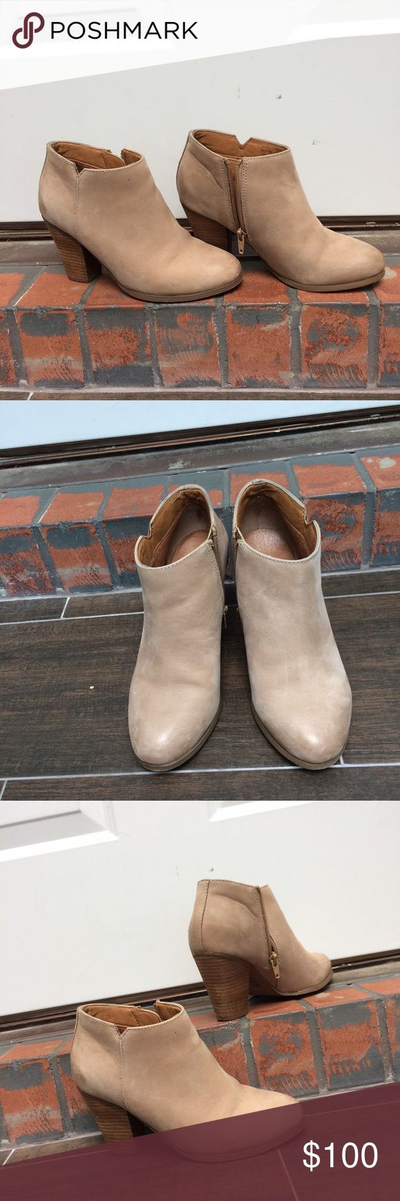 Aldo nude ankle boots On trend nude ankle boots by Aldo. About 3 in heel. Comfortable. Excellent used condition Aldo Shoes Ankle Boots & Booties