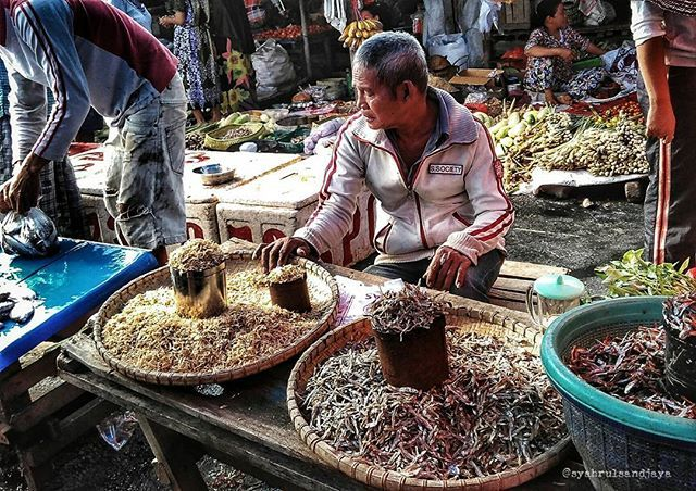 Indonesian traditional market  Goodmorning @instagram ers  Loc : Traditional market of Lakessi,  Parepare City South Sulawesi