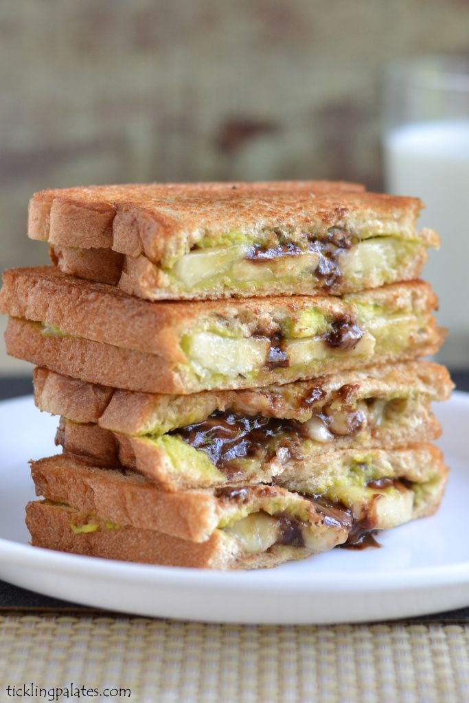 Vegan Avocado Chocolate Grilled Sandwich. Healthy and minus the calories