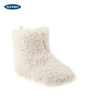 So your little girls can turn into a little lamb on Christmas morn, these fuzzy Sherpa booties are just the thing. Cuteness overload.