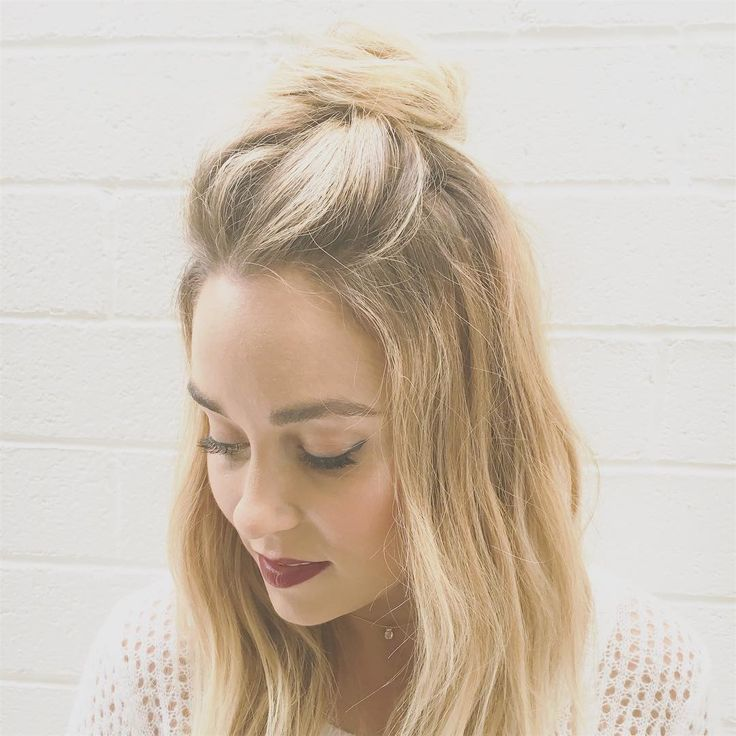 Lauren Conrad Top Knot