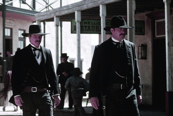 Still Of Kevin Costner And David Andrews In Wyatt Earp (1994)