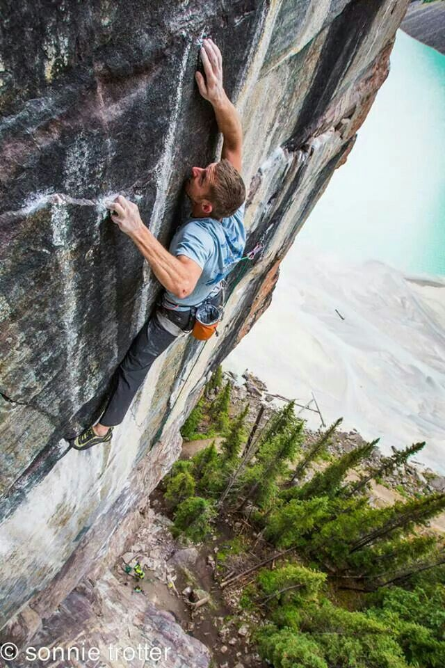Must be a hold here somewhere! – klettern