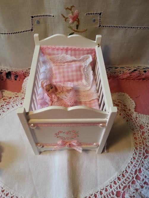 Cradle style shabby  dolls house scale 112 by LaboratoriodiManu, €50.00