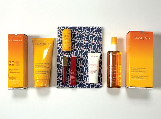 "Win+this+Clarins+""Here+Comes+Summer""+set!"