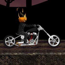 Motociclistul fantoma prin cimitir in noaptea de Halloween